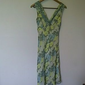 Dress sleeveless anthropology Green's size 6